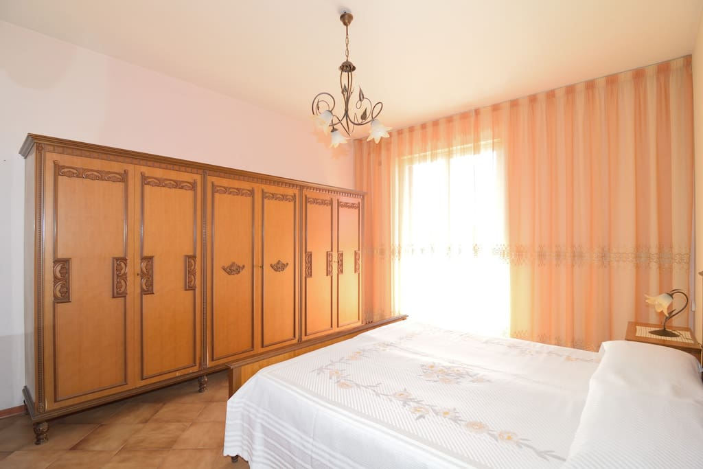 2° double bedroom with balcony and sea view