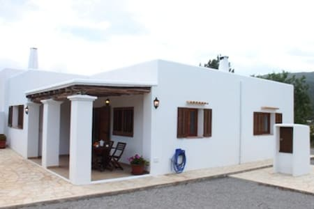 cottage in the south of ibiza  - Es Cubells - บ้าน