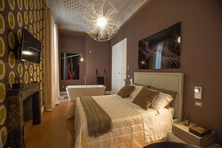 Historical House Palazzo Cannavina - Suite Regina - Campobasso - Bed & Breakfast