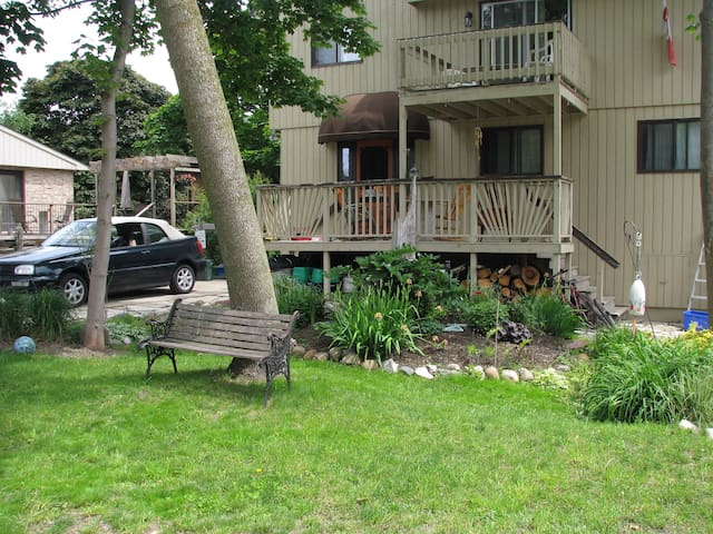 Vacation at Driftwood Inn! - Kincardine - Maison