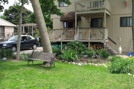 Vacation at Driftwood Inn! - Kincardine - Hus