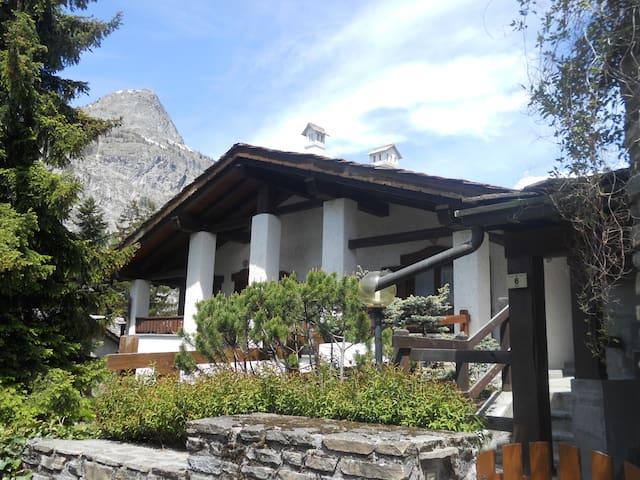 Luminosa e accogliente casa - Courmayeur - House