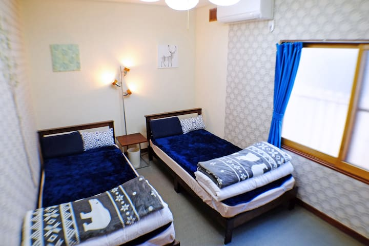 【Private Twin Room】Super Kind Host!/JR Hakodate/