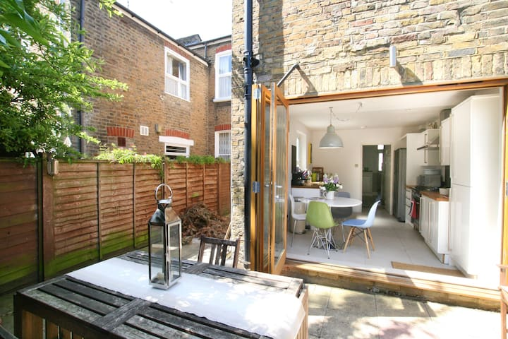 Stylish house close to river thames - ลอนดอน