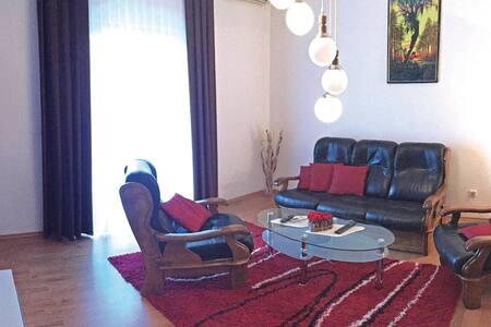 3 Bedrooms Cottage in Kastel Gomilica - Kastel Gomilica