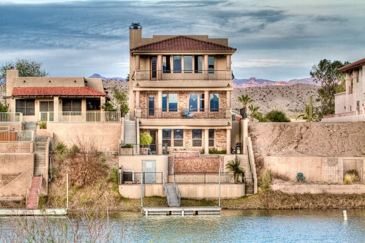 Luxury Rental on the River