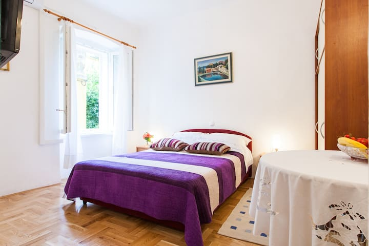 Studio apt Laura in heart of Zadar