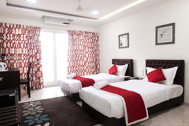 Spacious Private Rooms - Mumbai - Apartment