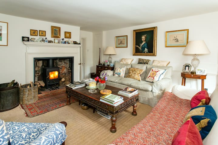 Idyllic Dorset village house full of charm