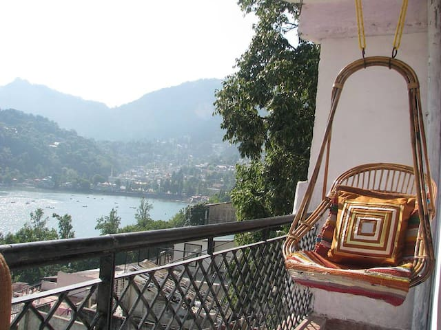 Lakeview Midtown and walking distance Mall Road - Nainital - Casa