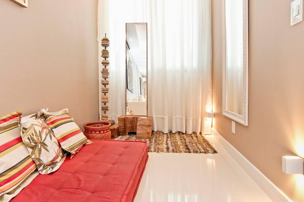 charmantes loft im herzen von der leblon wohnungen zur. Black Bedroom Furniture Sets. Home Design Ideas