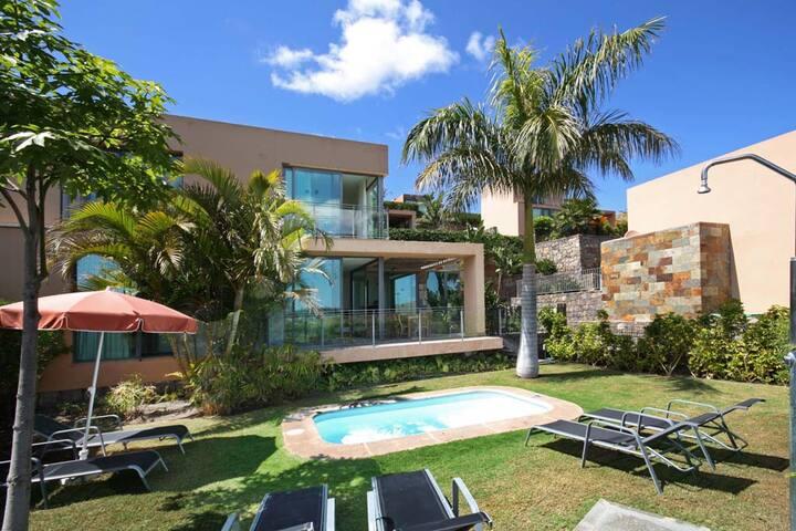 Villa with private pool Salobre Villas V