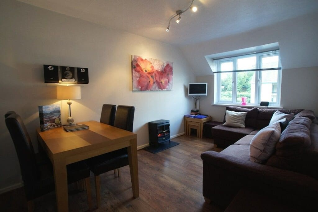 Tree Tops Apartment, Bowness on Windermere, self catering cottage