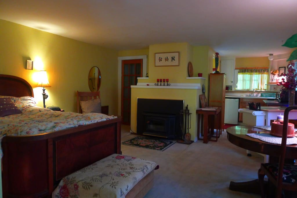Cozy Double bed with firm mattress. Woodburning fireplace and kitchenette.