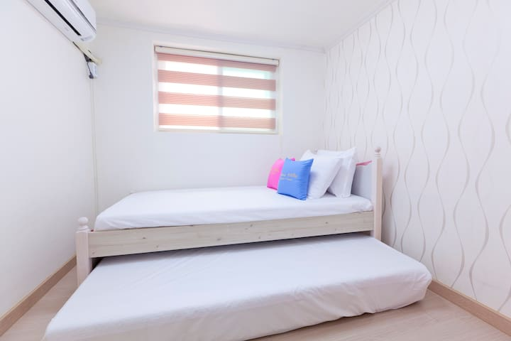 Hongdae Guest House Family Suite #1
