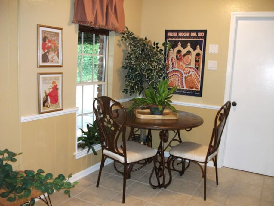 Breakfast Nook, Art From Travels To Paris And San Antonio. Enjoy A Cup of Hot Tea, Coffee, or Breakfast