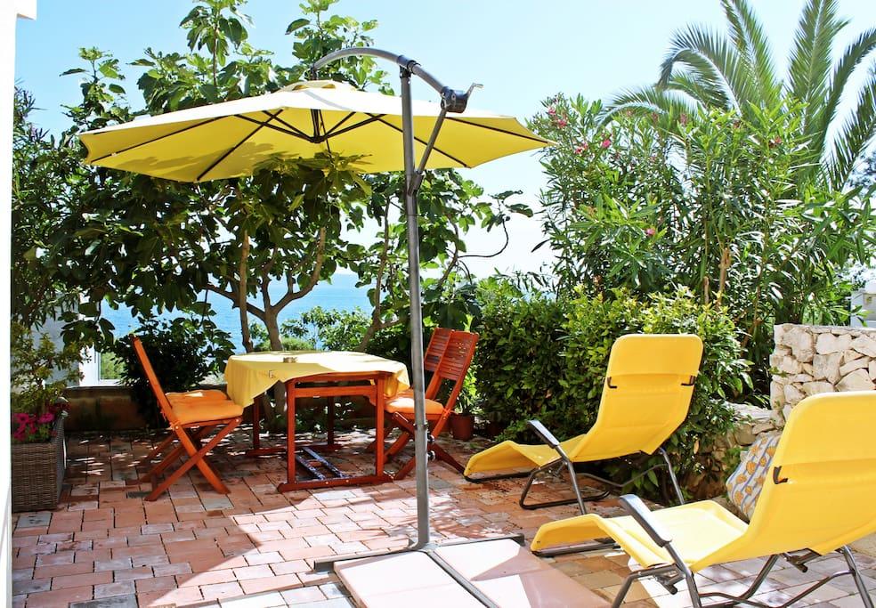 sea view apt 2 2 50m from beach wohnungen zur miete in trogir gespanschaft split dalmatien. Black Bedroom Furniture Sets. Home Design Ideas