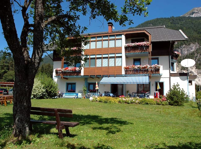 Holiday flat in the middle of the Alps (flat #6) - Presseggersee - Service appartement