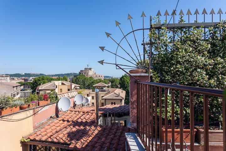 Terrazza privata con vista su Castel Sant'Angelo