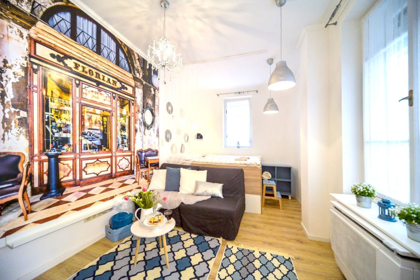 Charming and fully equipped Vintage Studio close to the Andrassy Ave and the Ruin Pub Dist, yet, very quiet. It is ideal up to 3 guests, Lonely Planet Guide Book is provided.