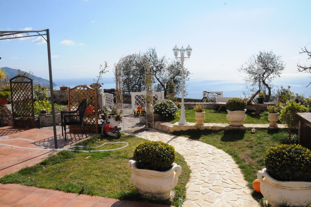 Casa claudia houses for rent in piano di sorrento - Piano casa campania ...