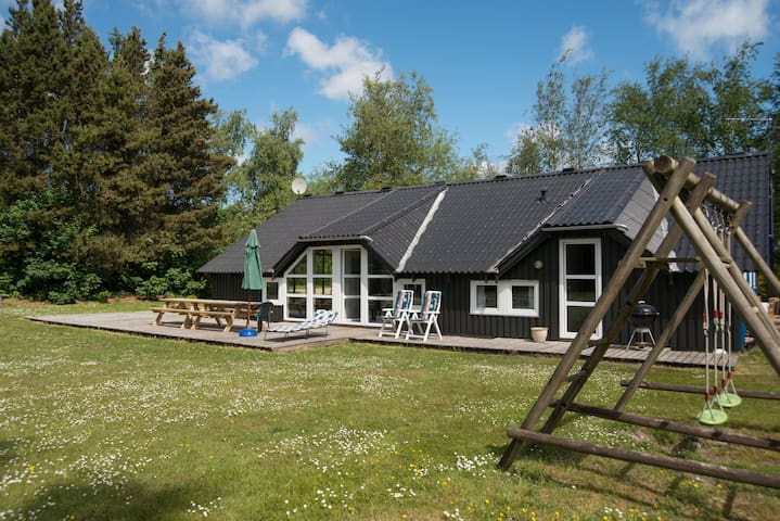 Luxurious & Poolhouse in Amtoft - Amtoft - Hytte