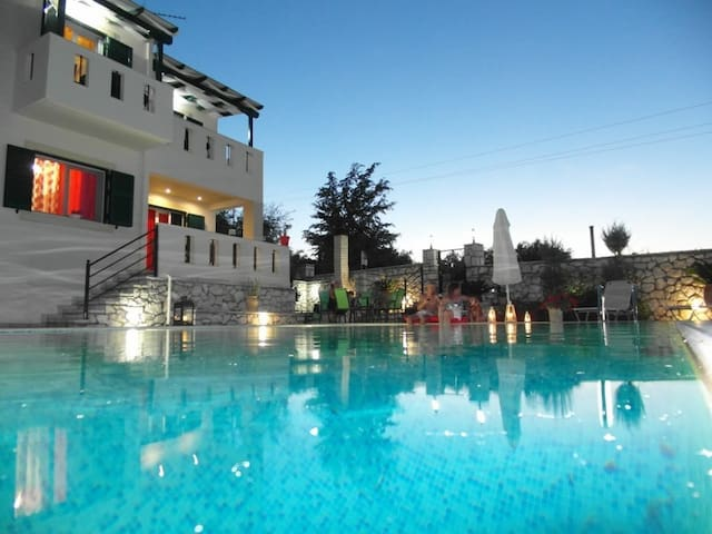 2 Private pool villasx6 per,near beaches,with view - Levkas