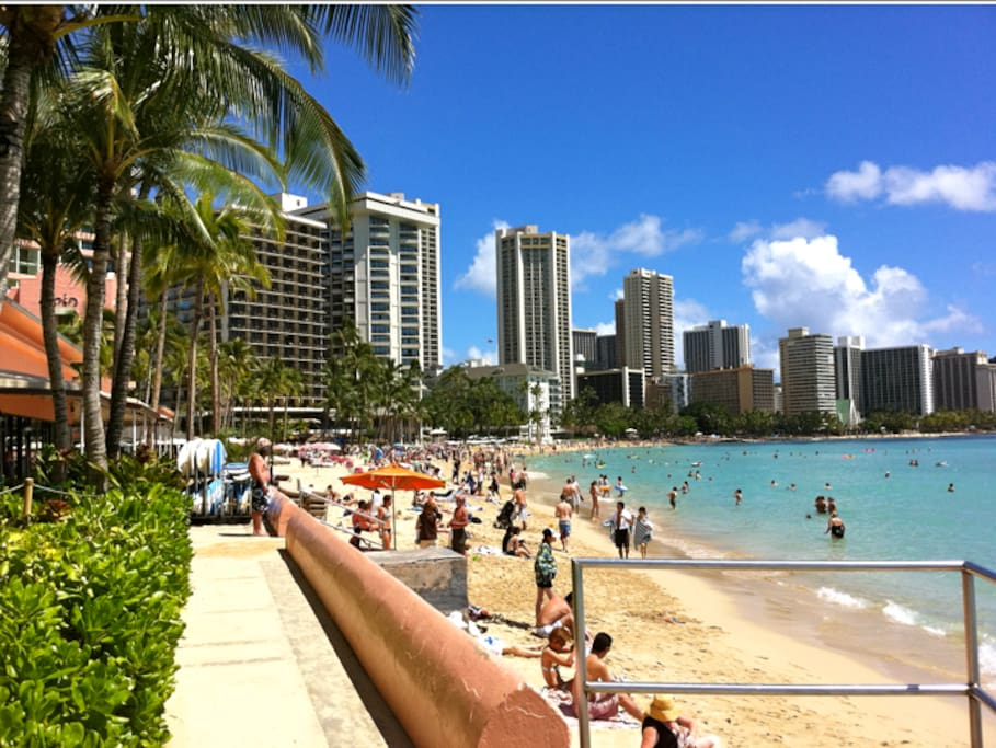 Ocean Front Waikiki Corner 2 X View Apartments for Rent  : 9fc6910coriginal from www.airbnb.com.au size 909 x 683 jpeg 107kB