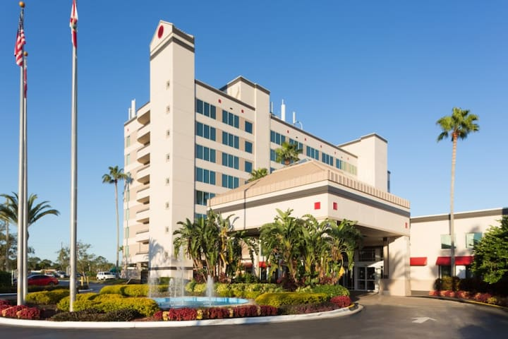 Deluxe Room Tower & Suites in Kissimmee