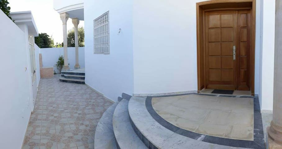 Villa luxueuse ,quartier chic
