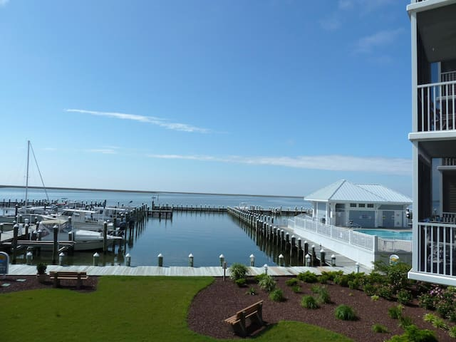Luxury Waterfront 3BR Condo  - Crisfield
