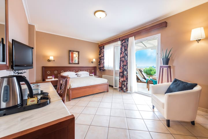 AIRBNB BY EVDION HOTEL - Penthouse 401