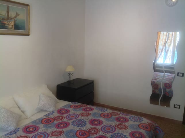Very Close to train station & Airport - Pisa - Apartamento
