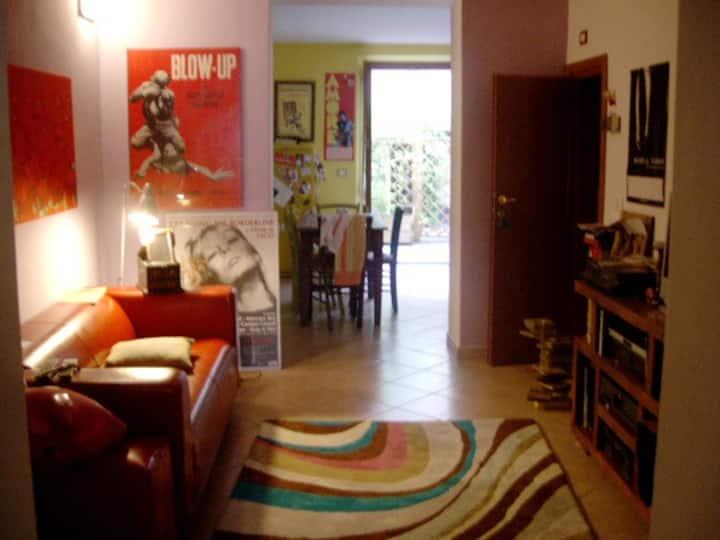 Casa blu di Nino. Cosy flat in the centre of Prato