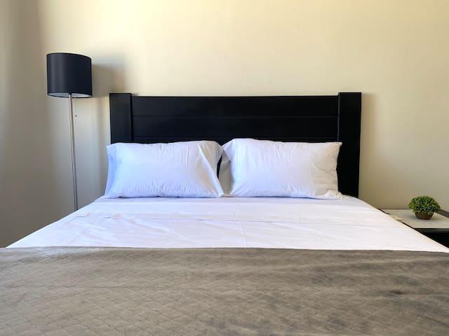 Bedroom 1 w/Queen size bed