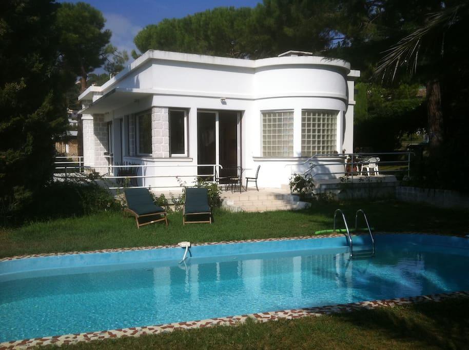 Villa contemporaine nice piscine case in affitto a nizza provenza alpi costa azzurra francia - Piscine pente terrain nice ...
