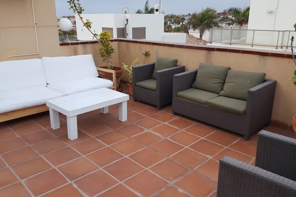 Front terrace (private use). Sun protector!! Terraza principal para su uso exclusivo. Protección solar recomendada.