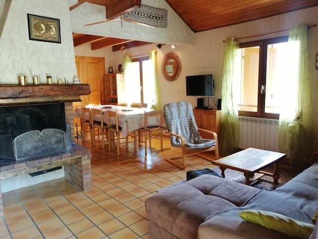 4/5 rooms chalet for 8 persons, with terrace and garden, at Pra Loup