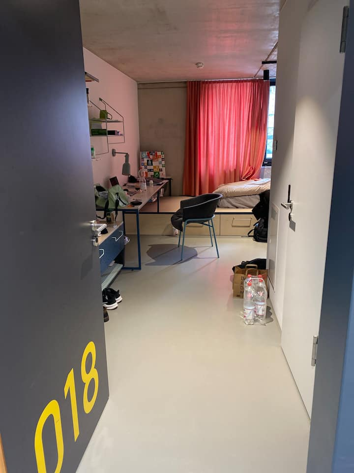 Private Room in Basecamp leipzig