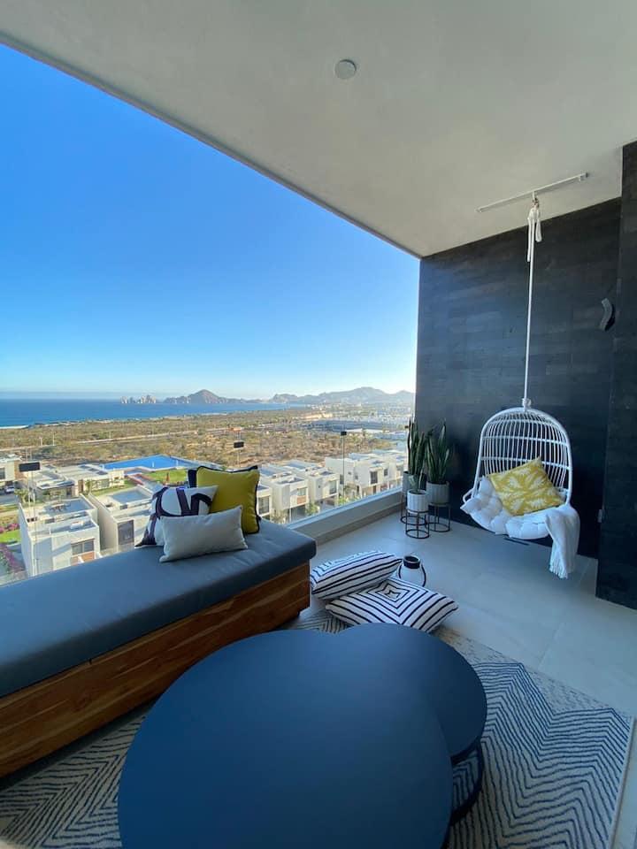 Spectacular Penthouse Condo with Panoramic Views