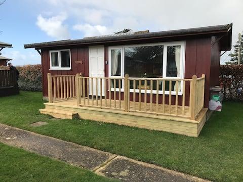 The Shack Number 8   2 Bedroom Wooden log cabin