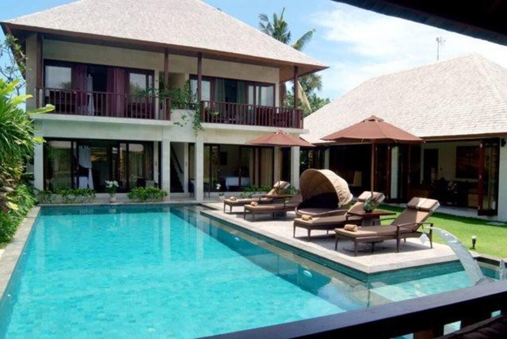 Luxurious Villa Kula in Batu Belig.