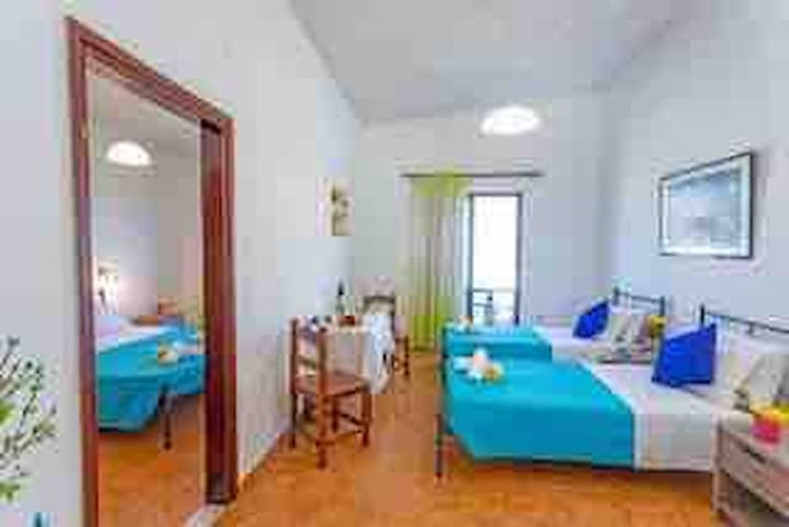 Sea view 2BD apartment 5 min from the beach