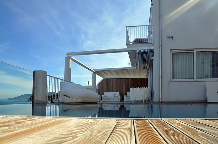 Costa d'Orlando VillaVulcano 6-10px