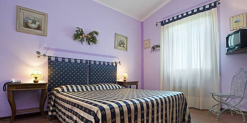 Low cost rooms on Trasimeno lake - Passignano Sul Trasimeno - Bed & Breakfast