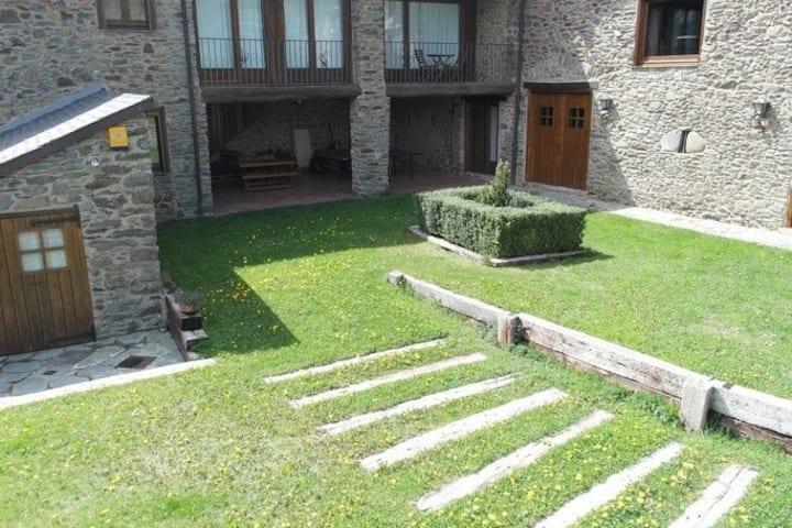 Maison en pierre restaurée unique