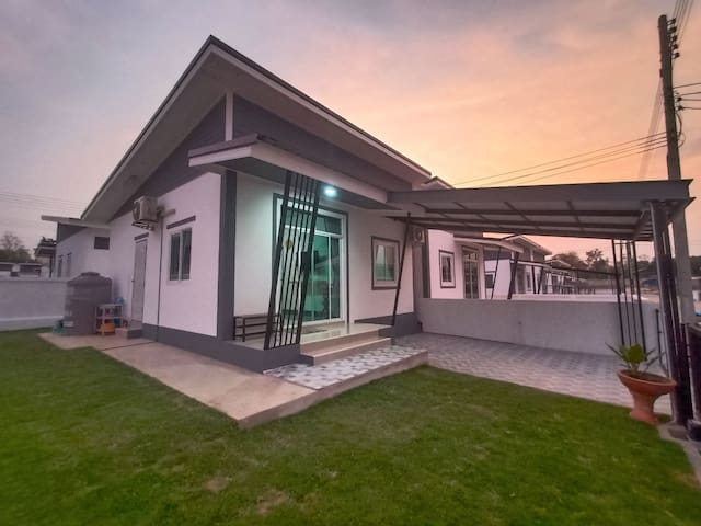 Tanakrit House Buriram (5kms from Chang Arena)