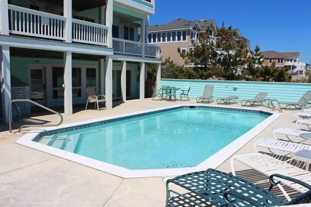 Pool,Water,Building,Villa,Computer