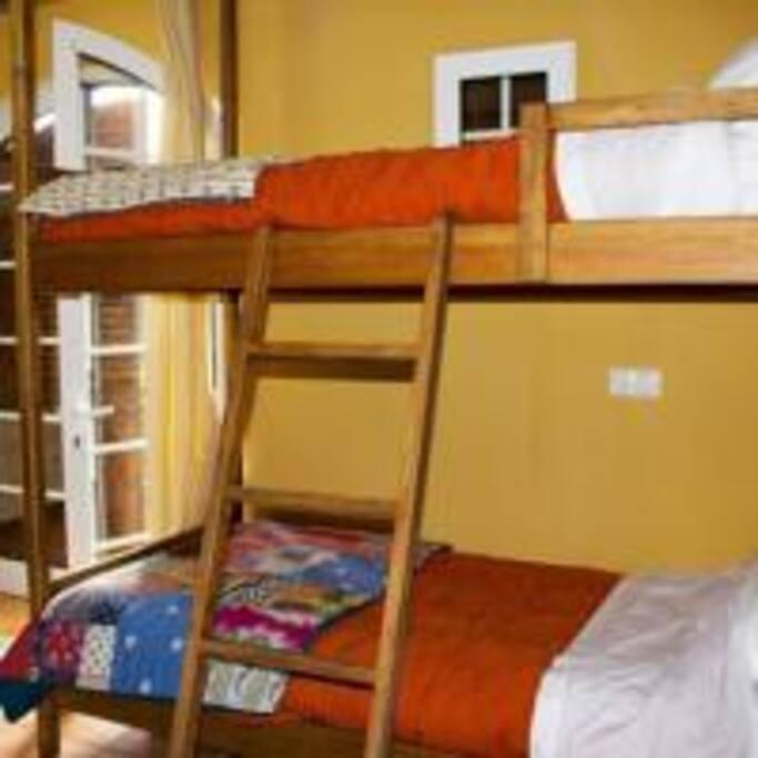 Cama em Beliche , Dormitório partilhado