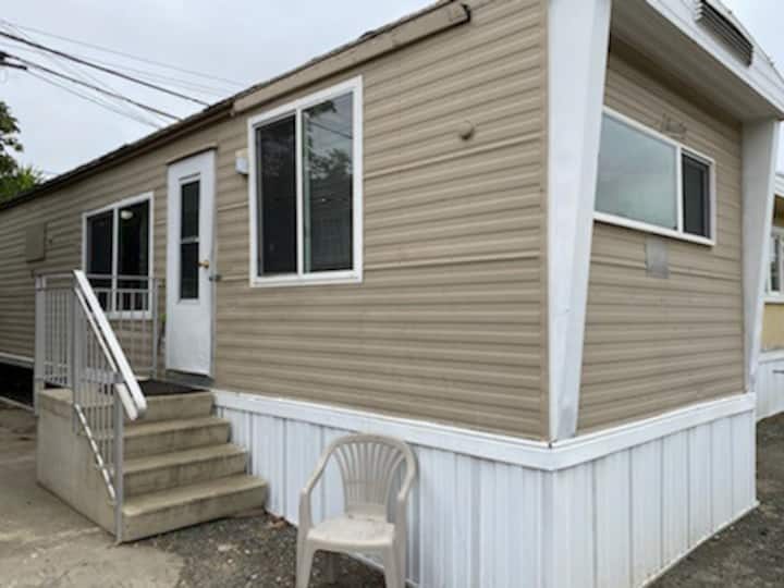 Homely & spacious 2 bedroom trailer home